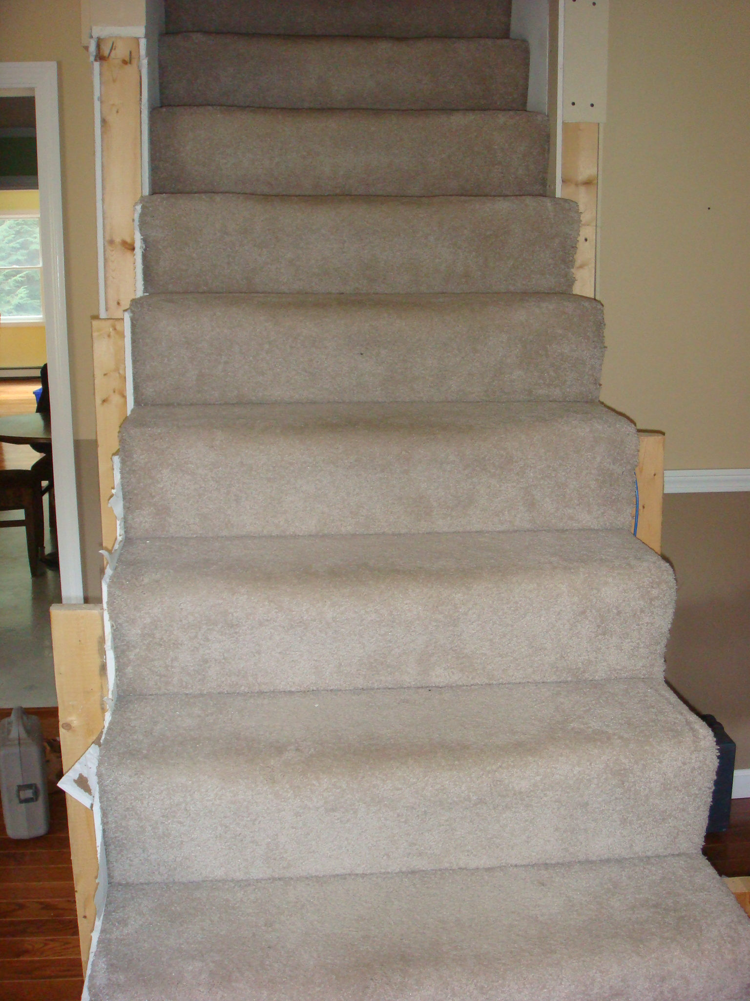 From Carpet To Wooden Stair Treads: Guest Remodel